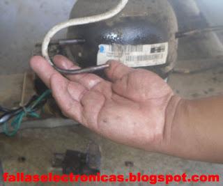 limpiar el sistema de nevera picada con cuchillo