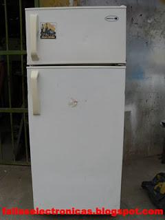 freezer con fuga de gas