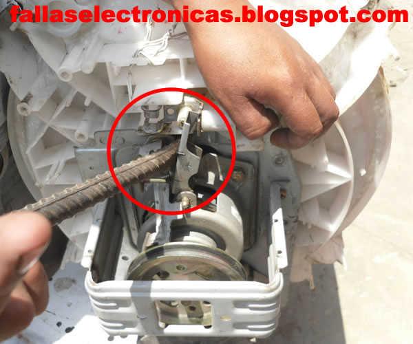 Lavadora no tiene fuerza al lavar cambio de caja for Como reparar una lavadora