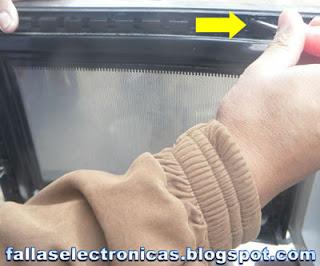 como saco unas cucarachas del horno de microhondas