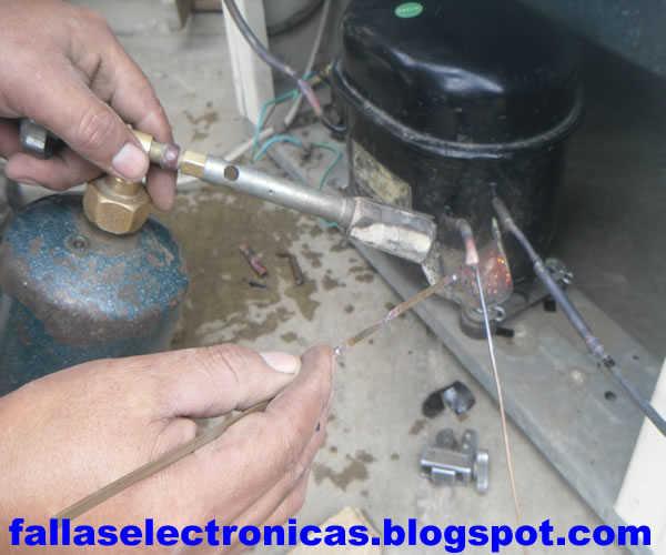 Cuanto cuesta recargar el gas de una nevera for Cuanto cuesta poner aire acondicionado