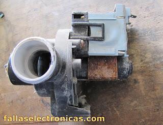 bomba de agua de lavadora electrolux quemada