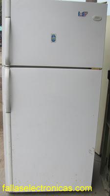 Hay escarcha en el refrigerador o congelador