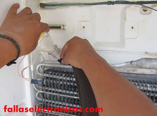 Cómo probar fuga de gas en refrigerador no frost