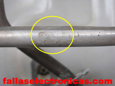 en el tubo de aluminio hay gas