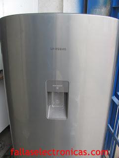 refrigerador picado con cuchillo